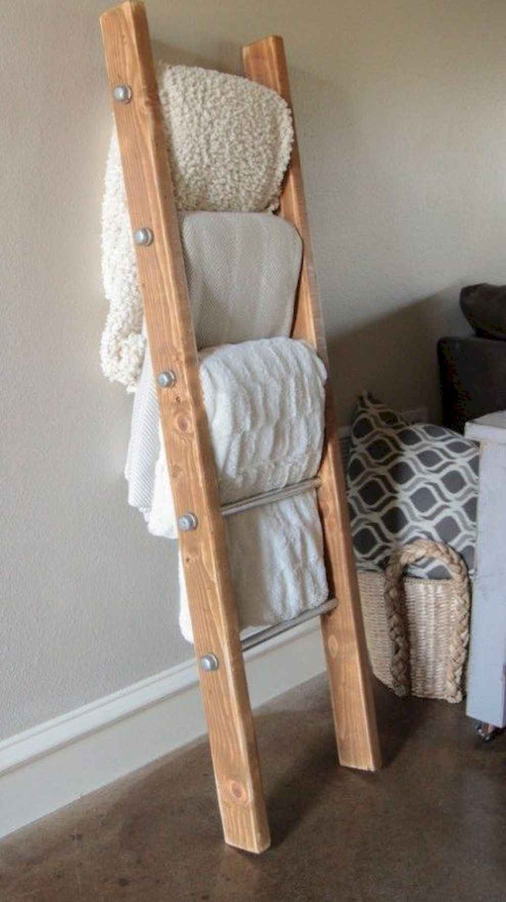 Couples first apartment decorating ideas (109)