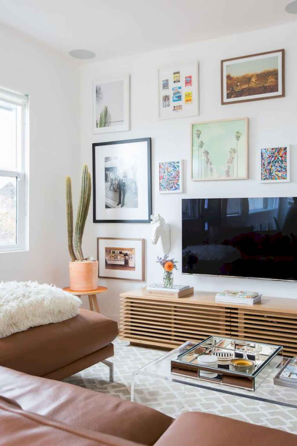 Couples first apartment decorating ideas (110)
