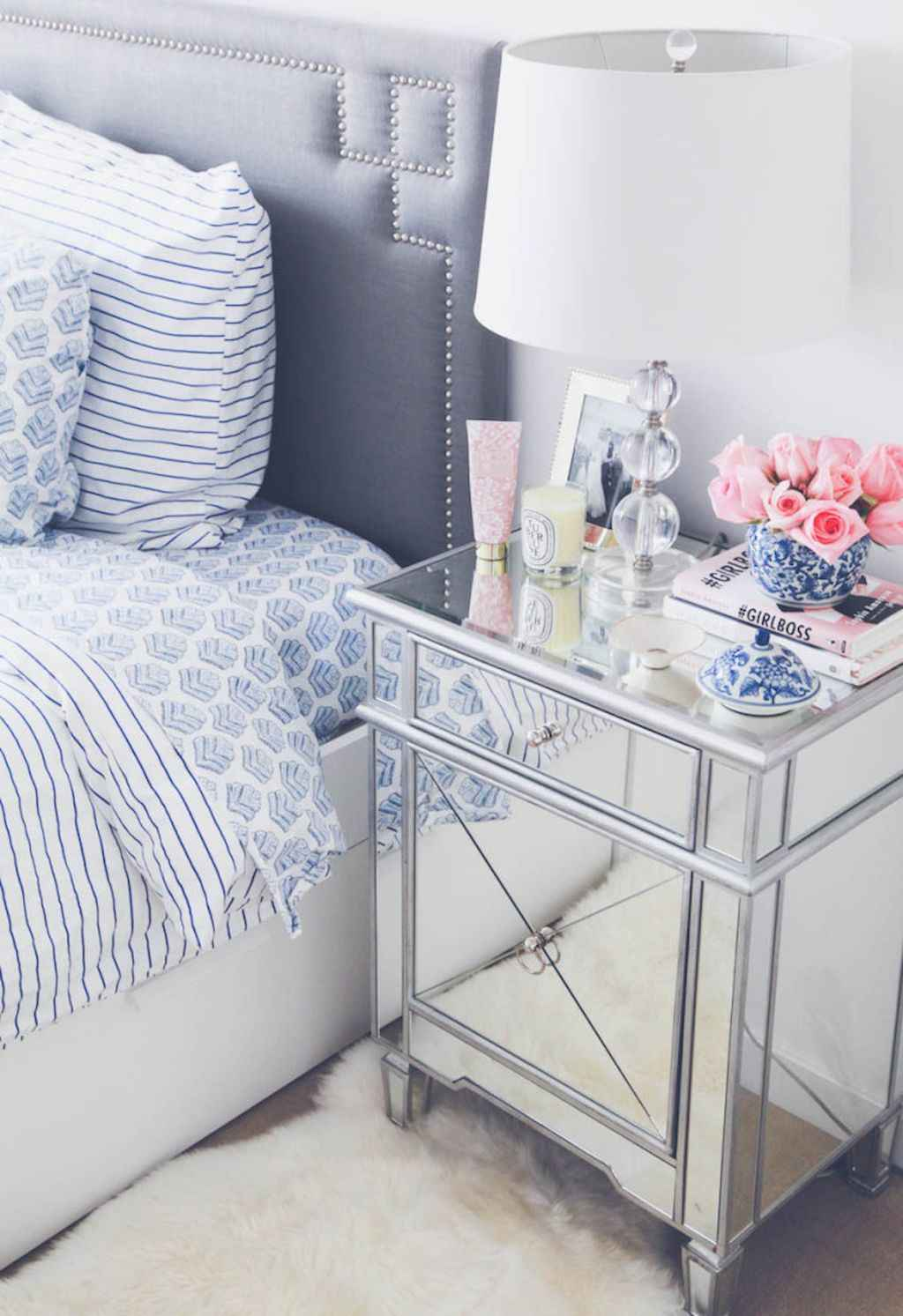 Couples first apartment decorating ideas (31)