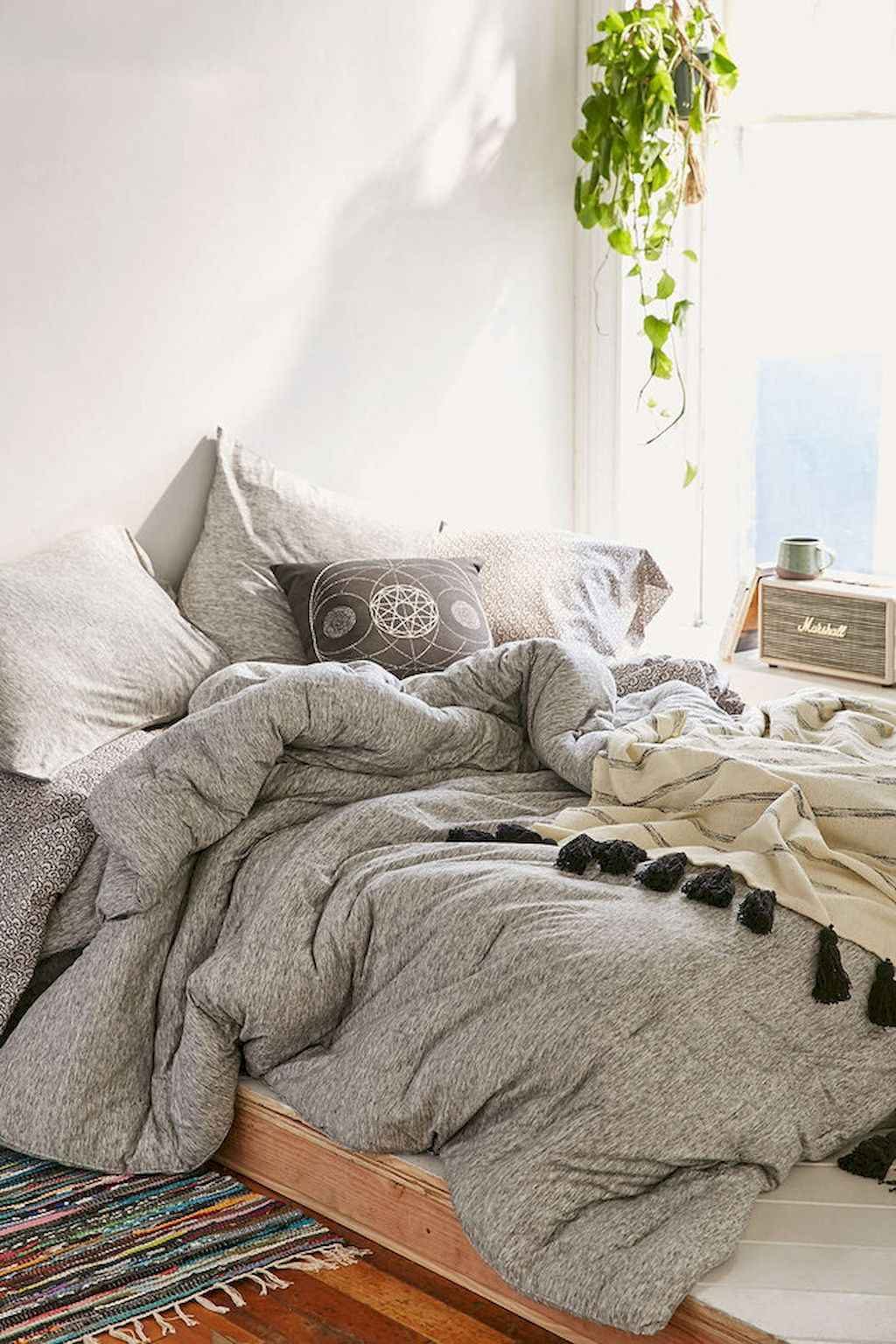 Couples first apartment decorating ideas (61)