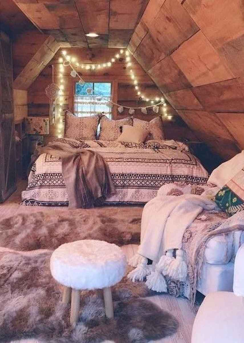 Cozy attic loft bedroom design & decor ideas (28)
