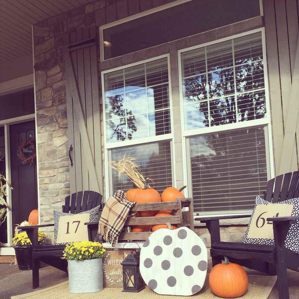 Creative diy fall porch decorating ideas (22)