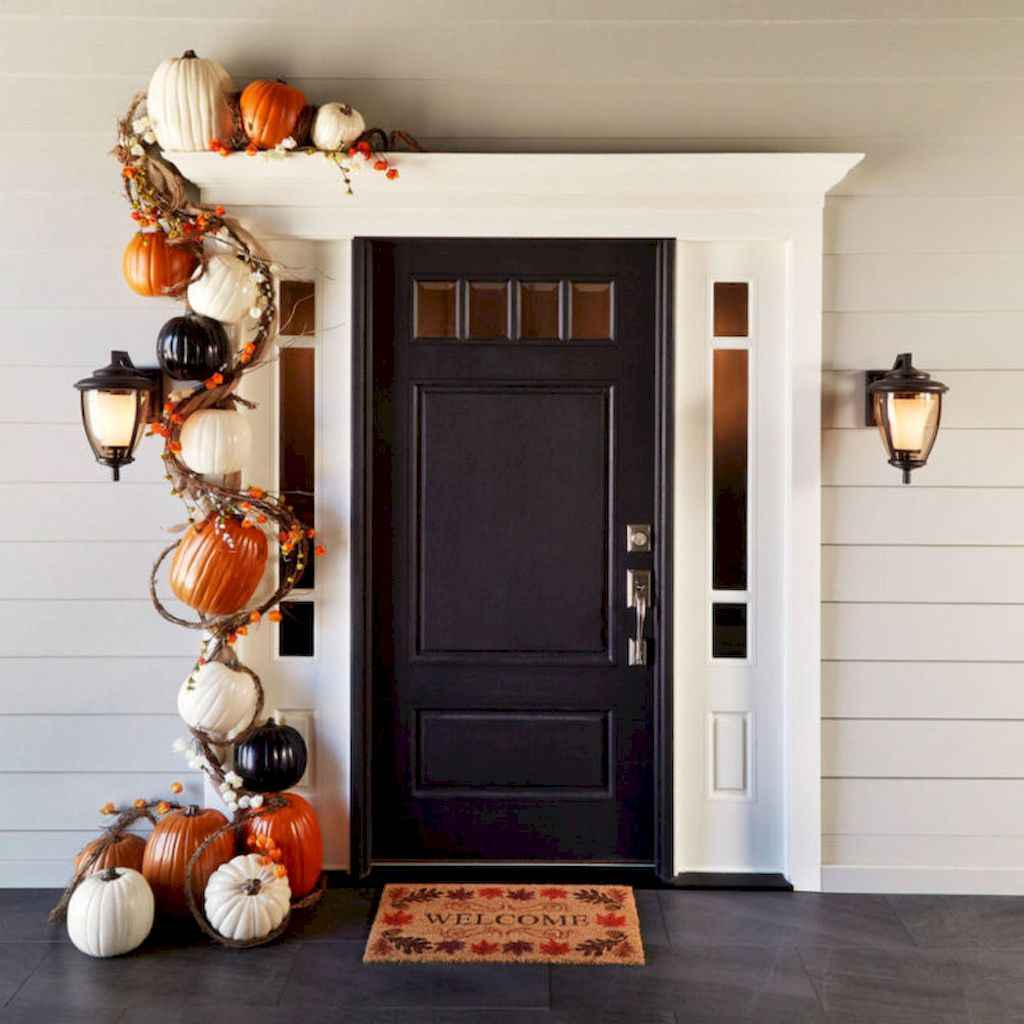 Creative diy fall porch decorating ideas (26)