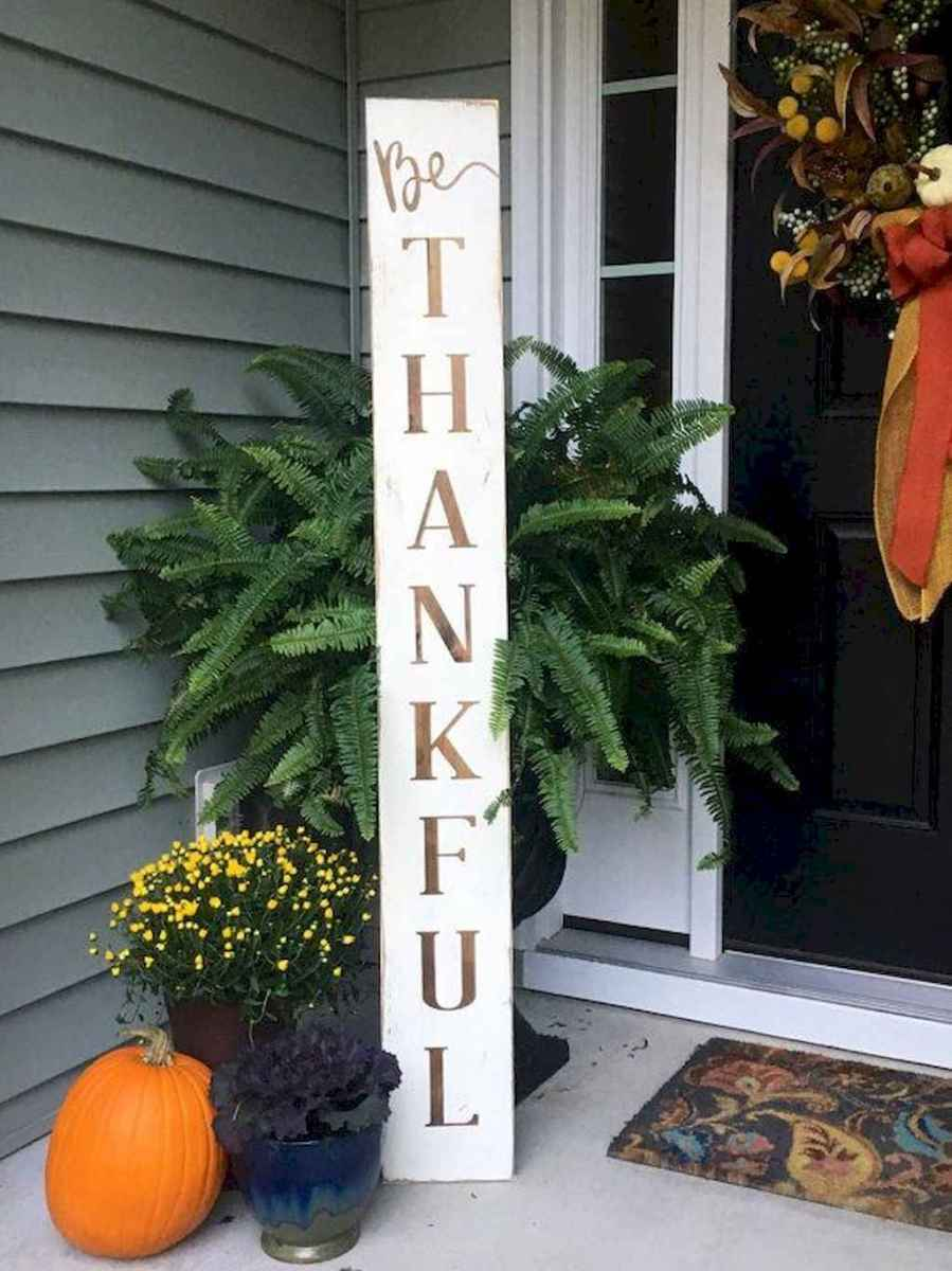 Creative diy fall porch decorating ideas (28)