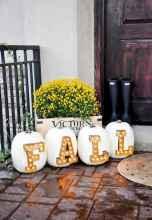 Creative diy fall porch decorating ideas (44)