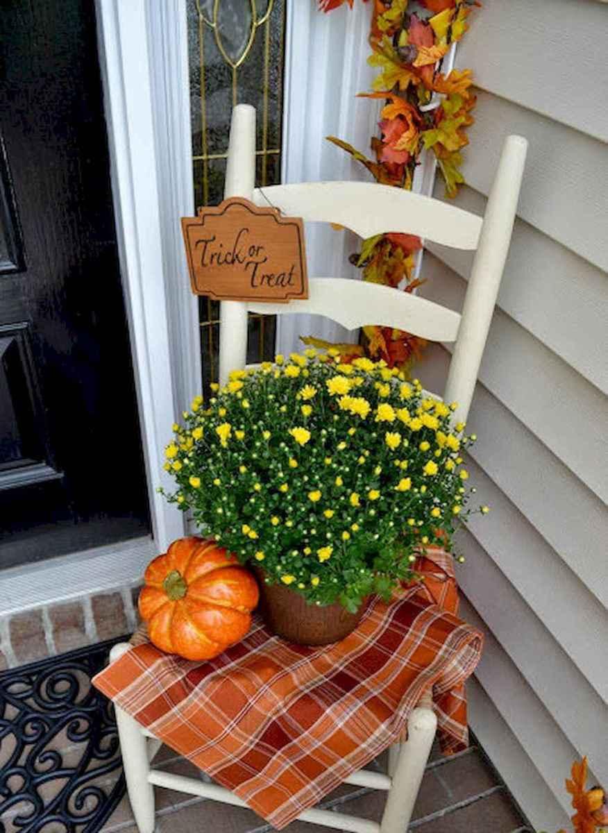 Creative diy fall porch decorating ideas (6)