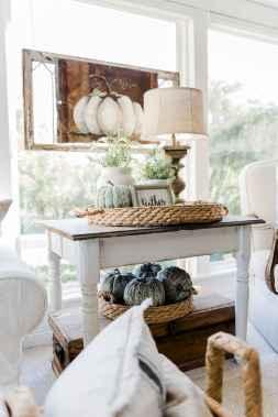 Diy farmhouse fall decorating ideas (19)