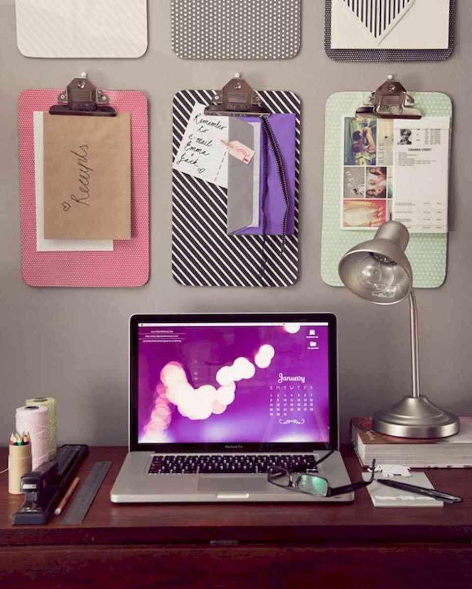 Genius dorm room organization ideas on a budget (46)