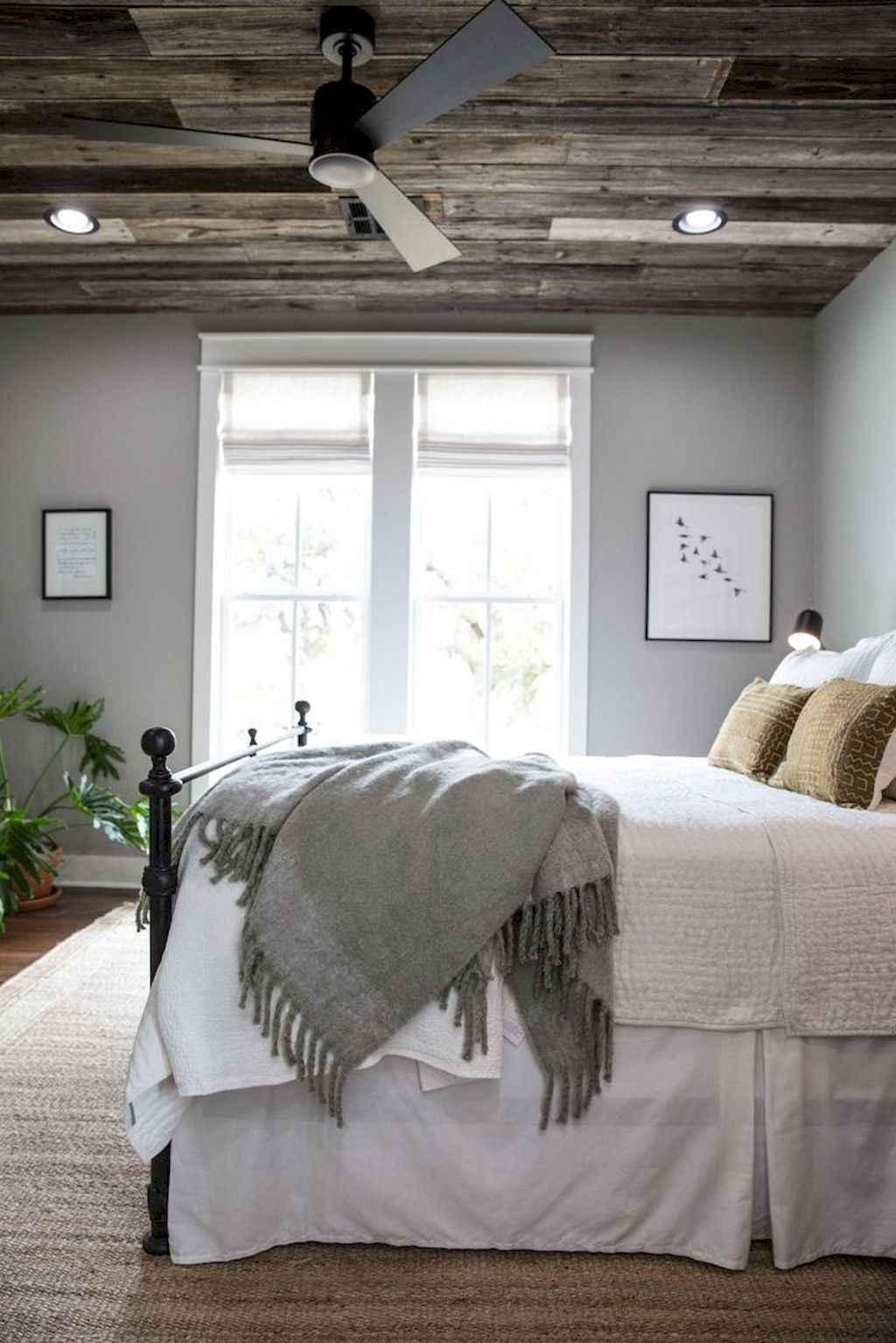 Gorgeous rustic master bedroom design & decor ideas (15)