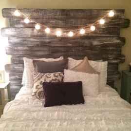 Gorgeous rustic master bedroom design & decor ideas (34)