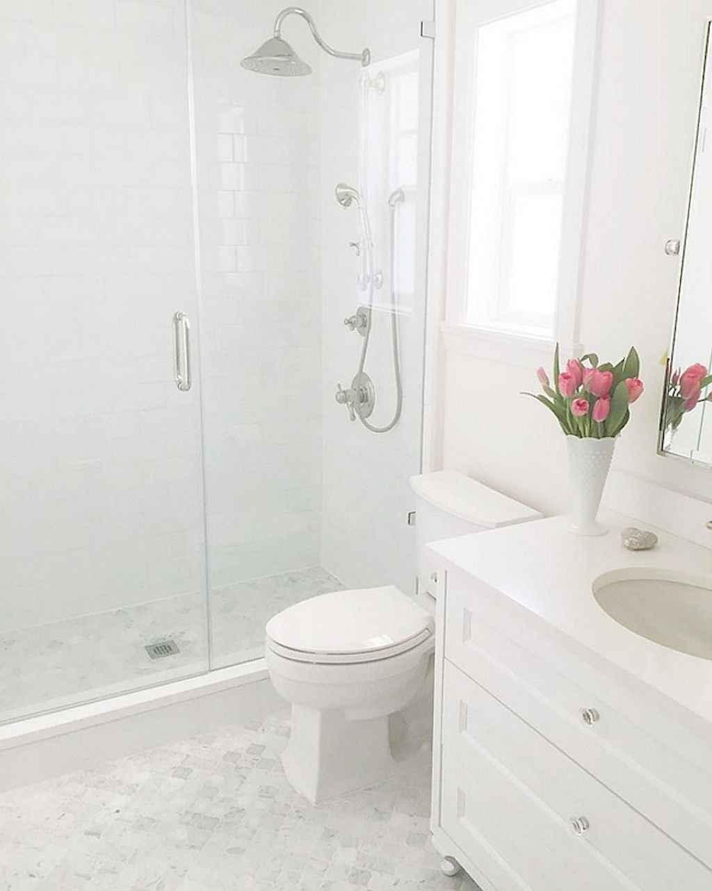 Inspiring apartment bathroom remodel ideas on a budget (39)