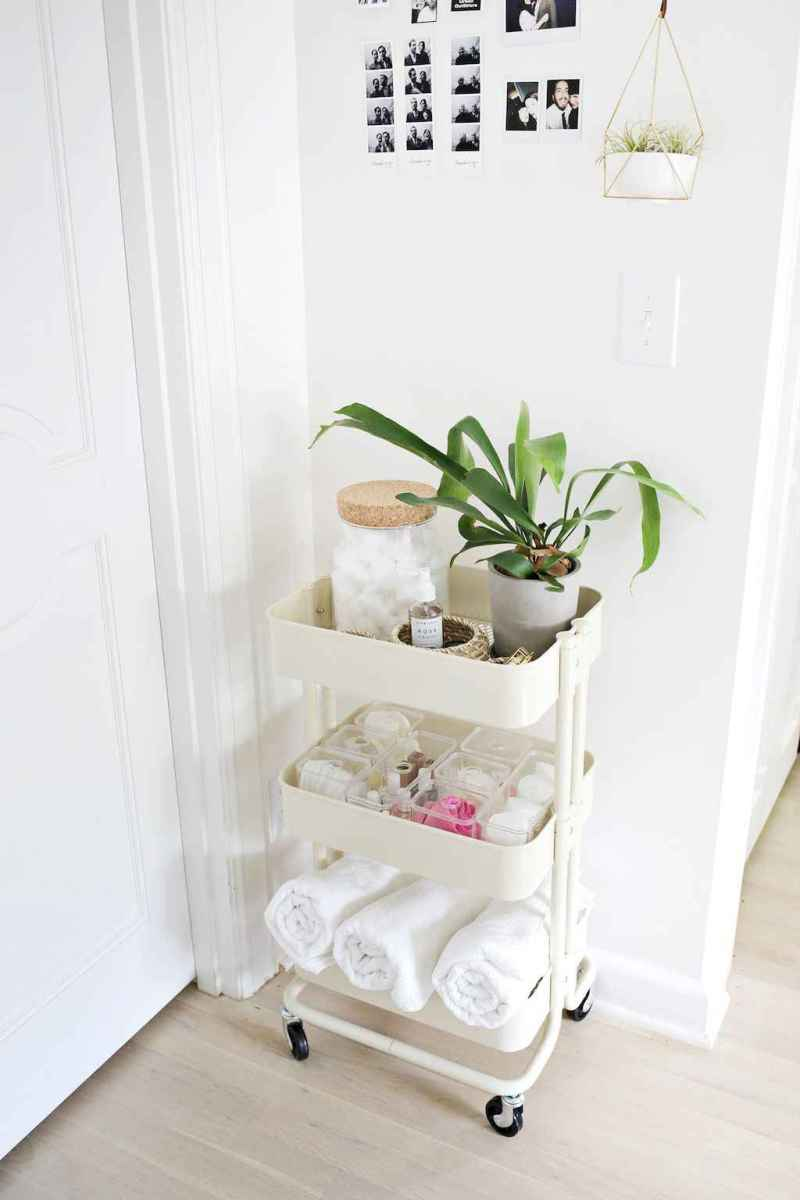 Quick and easy bathroom organization storage ideas (12)