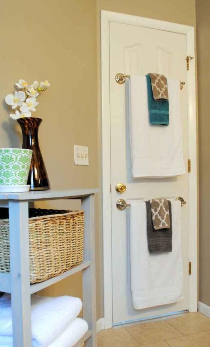 Quick and easy bathroom organization storage ideas (4)