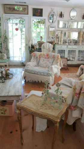 Romantic shabby chic living room decoration ideas (22)