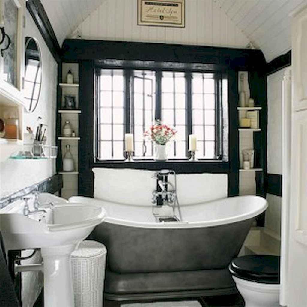 Small bathroom remodel ideas with bathub (11)