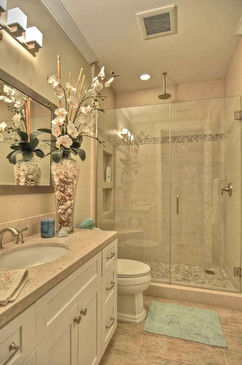 Small bathroom remodel ideas with bathub (37)