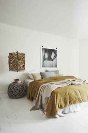 Warm and cozy bohemian master bedroom decor ideas (64)