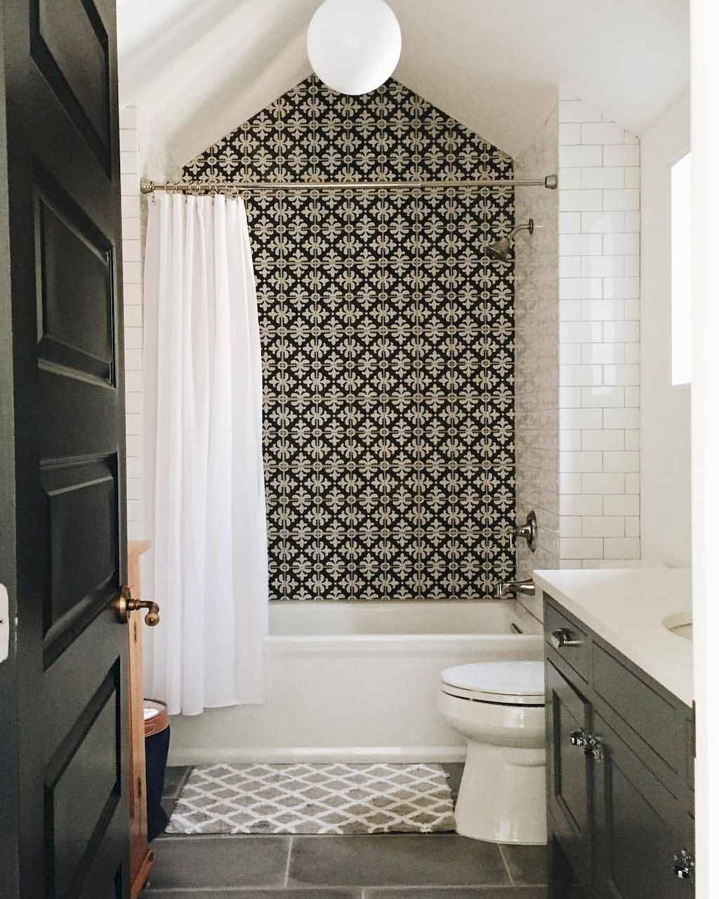 Beautiful Bathrooms 2017: 70 Beautiful Bathroom Tile Remodel Ideas