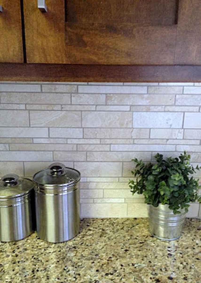 Beautiful kitchen remodel backsplash tile ideas (79)