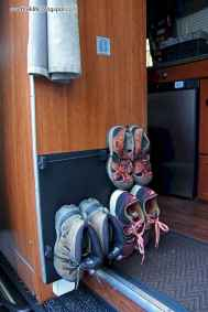 Best rv camper van interior decorating ideas (56)