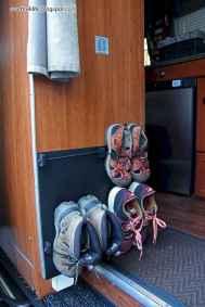 Best rv camper van interior decorating ideas (56)