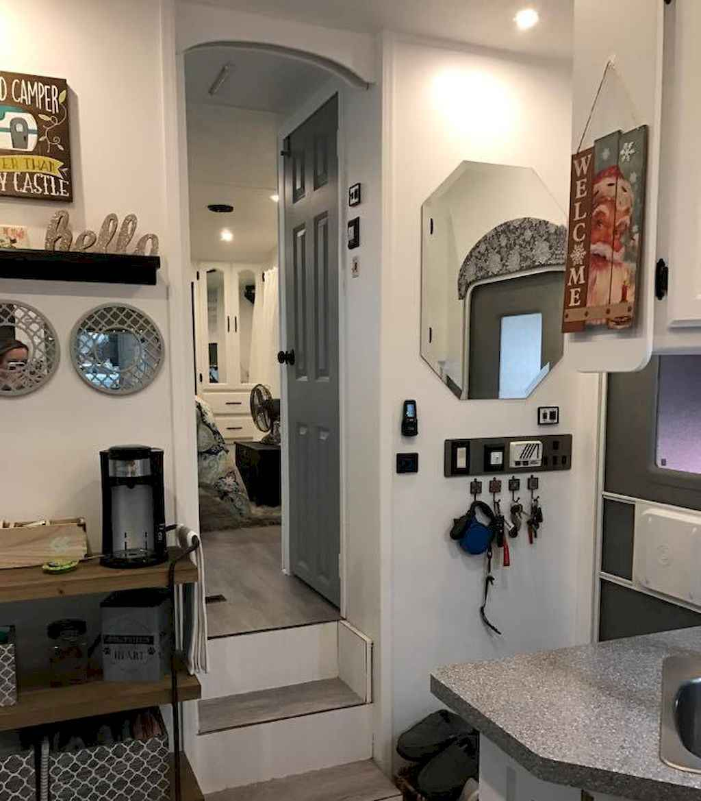 Best travel trailers remodel for rv living ideas (10)
