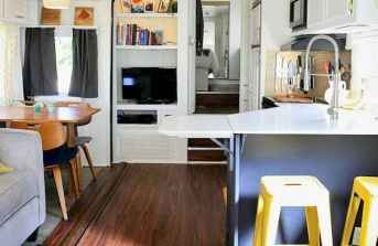 Best travel trailers remodel for rv living ideas (18)