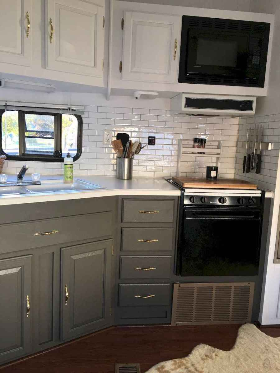 Best travel trailers remodel for rv living ideas (60)