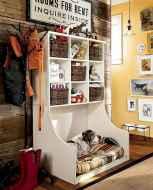 Farmhouse entryway mudroom ideas (28)