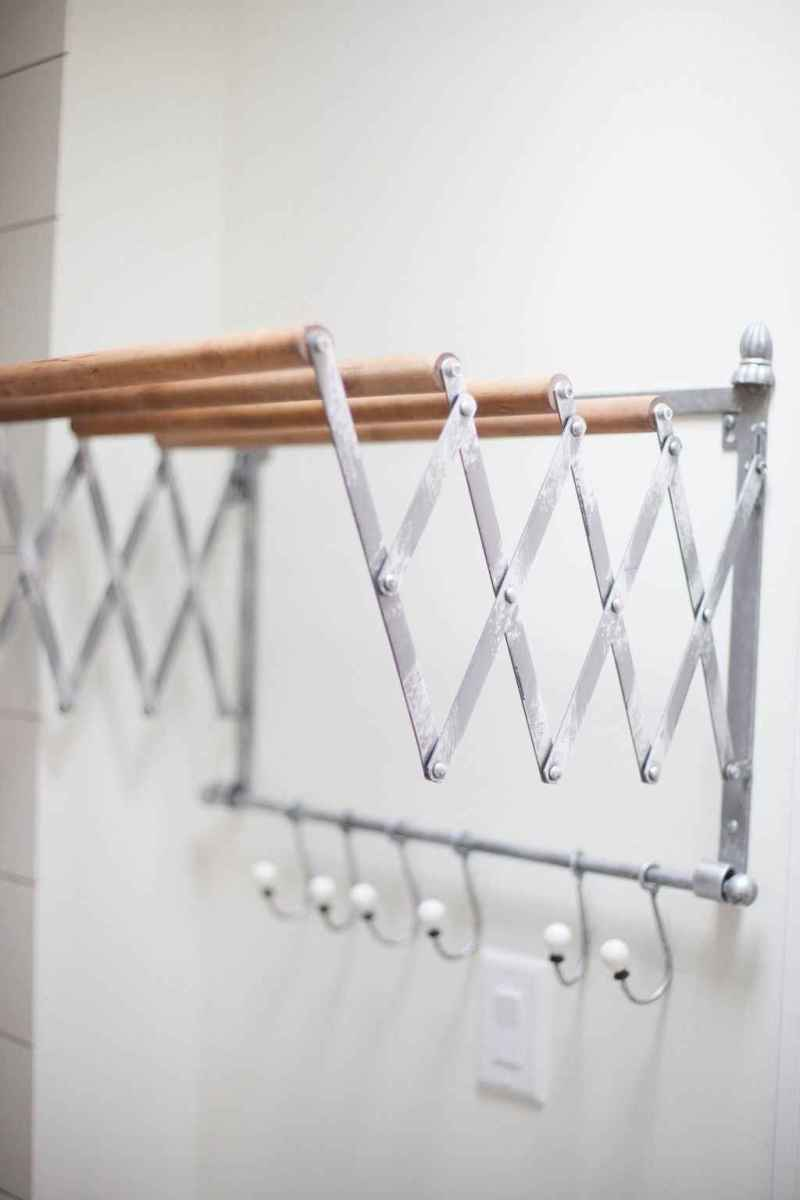 Farmhouse style laundry room makeover ideas (45)