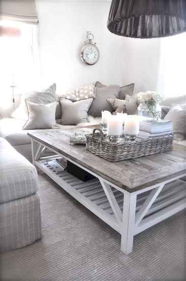 Rustic farmhouse coffee table ideas (63)