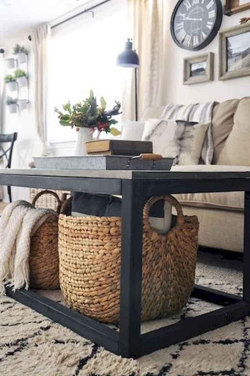Rustic farmhouse coffee table ideas (82)