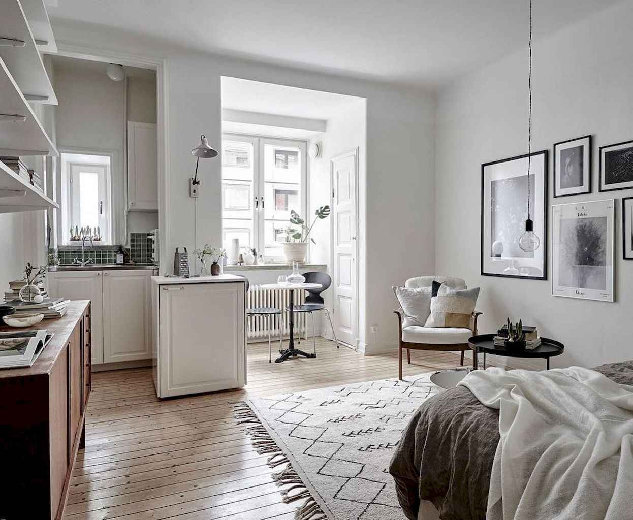 Small apartment studio decorating ideas on a budget (67)