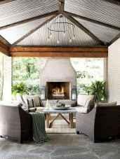 Vintage farmhouse porch ideas (4)