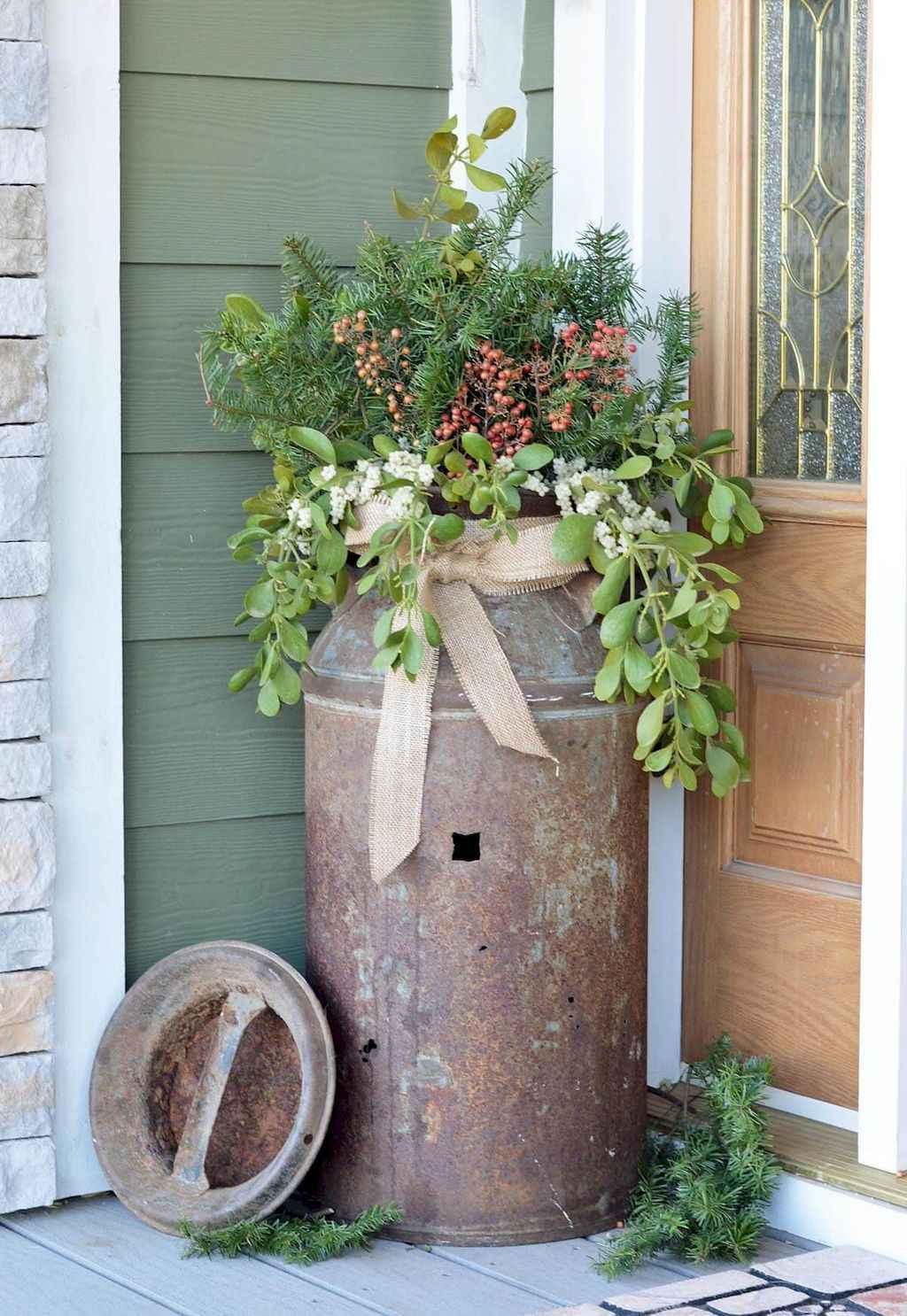 Vintage farmhouse porch ideas (6)