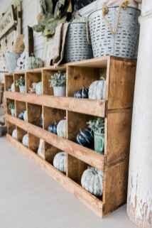Vintage farmhouse porch ideas (7)