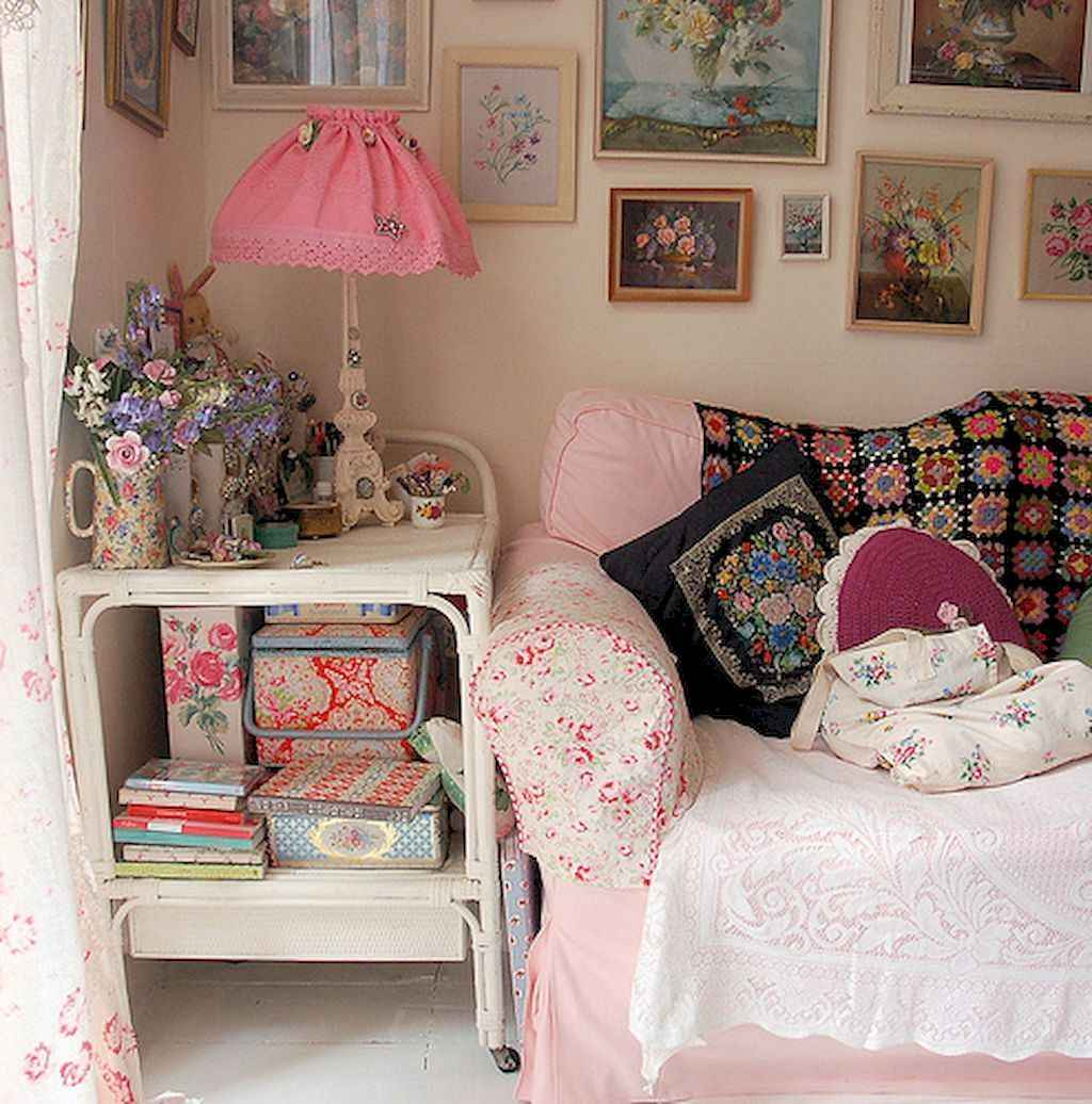 Amazing small first apartment decorating ideas (12)