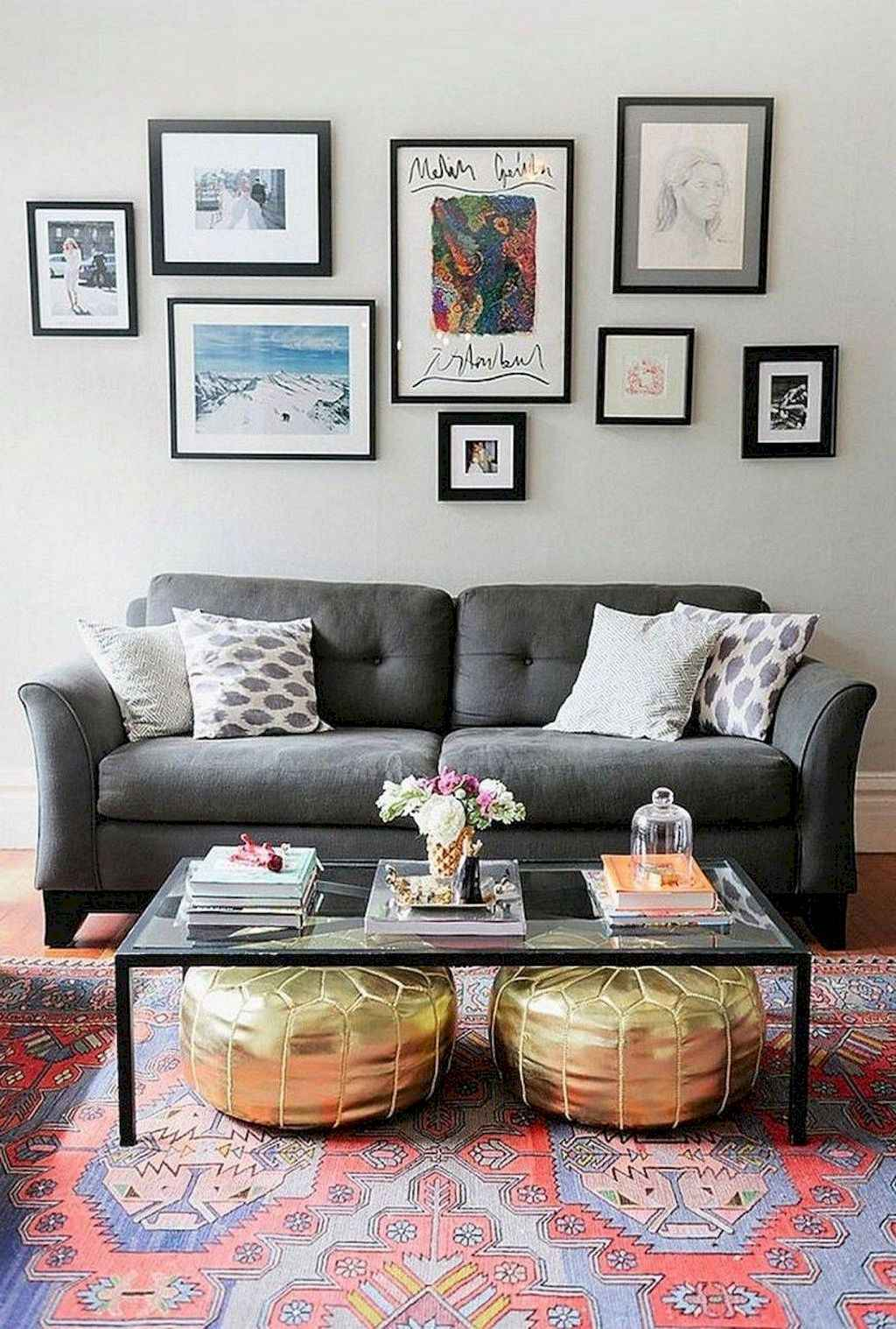 Amazing small first apartment decorating ideas (32)