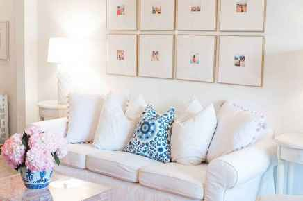 Amazing small first apartment decorating ideas (5)