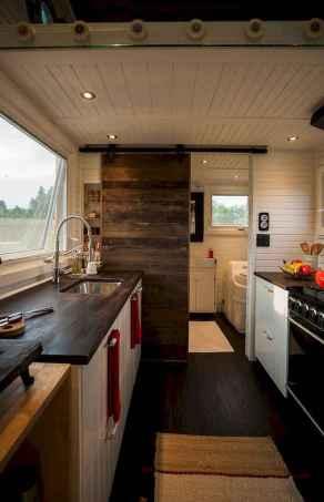 Clever tiny house kitchen decor ideas (13)