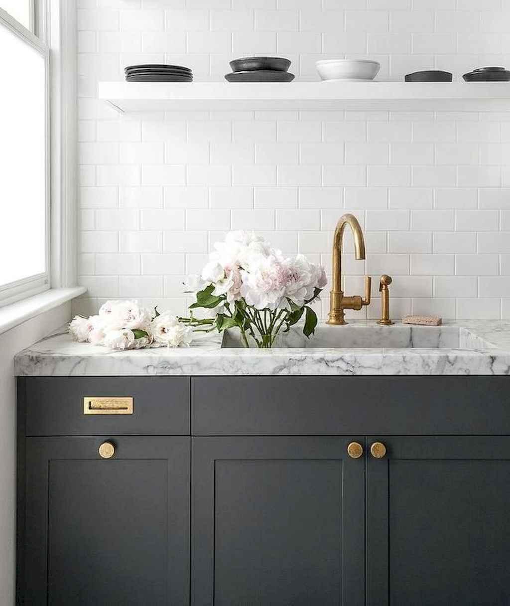 Gorgeous gray kitchen cabinet makeover ideas (60)