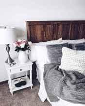 Modern farmhouse style master bedroom ideas (47)