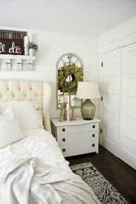 Modern farmhouse style master bedroom ideas (74)