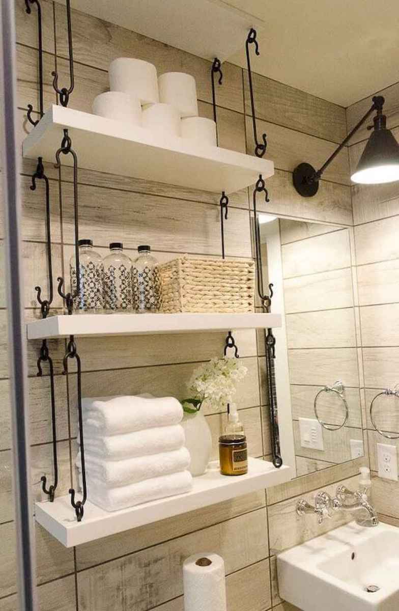 Rustic farmhouse master bathroom remodel ideas (45)
