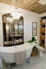 Rustic farmhouse master bathroom remodel ideas (48)