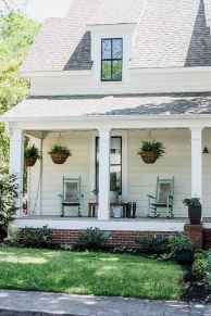 02 gorgeous farmhouse front porch decorating ideas