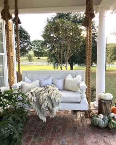 32 gorgeous farmhouse front porch decorating ideas