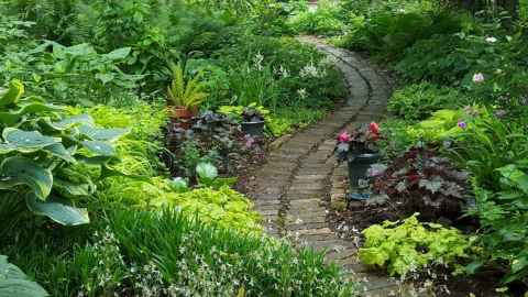 27 fabulous garden path and walkway ideas
