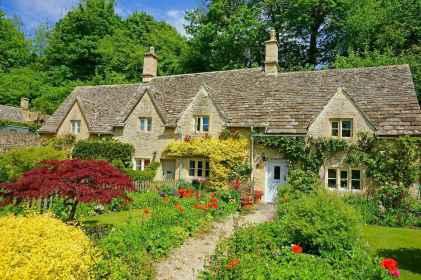 22 beautiful cottage garden ideas to create perfect spot