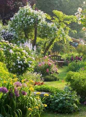 24 beautiful small cottage garden ideas for backyard inspiration